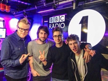 foto_years-and-years-huw-stephens-bbc-radio-1